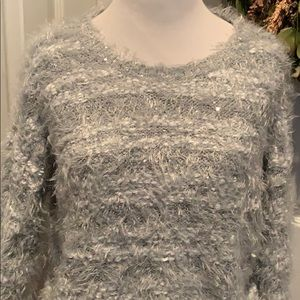 Apt 9 fuzzy, soft and cozy gray and white sweater